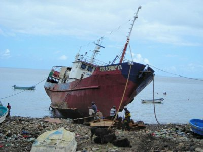bateau a la derive