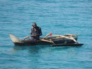 Pêcheur comorien / crédit photo M. Saïd Mchangama