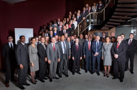 Saïd AHAMADI au milieu de ministres, Présidents de RUP, chefs de gouvernement des PTOM au 10ème Forum de l'OCTA-UE, le 25 janvier 2012, Bruxelles, au hall de « The Hotel »,
